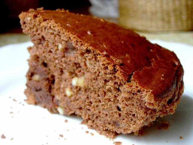 Bizcocho de chocolate y almendras el delantal verde for Bizcocho de yogur y almendra