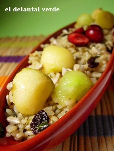 arroz con bolitas de fruta